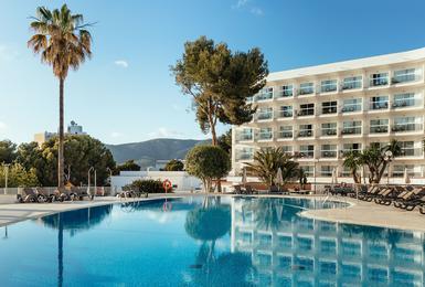 Внешний Отель AluaSun Torrenova Palmanova, Mallorca