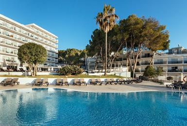 Бассейн Отель AluaSun Torrenova Palmanova, Mallorca